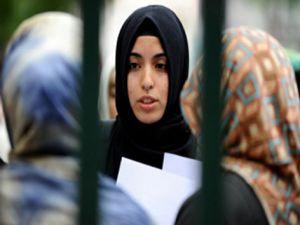 Başörtüsü Özgürlüğü İçin '26 Bakana 26 Bin Dilekçe' Eylemi
