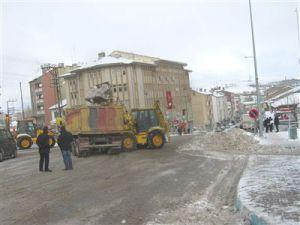 Bünyan Belediyesi Kar Temizleme Çalışmalarını Sürdürüyor