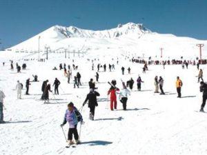 Erciyes'te Kar Kalınlığı 2 Metreyi Geçti