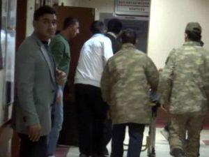 Asker tavana astığı iple intihar etti