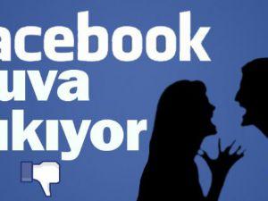 Çiftler Facebook Yüzünden Boşanıyorlar