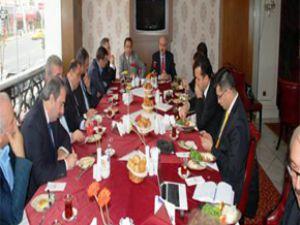 Numan Kurtulmuş  Sinan Burhan'ın Düzenlediği Kahvaltı Programına Katıldı
