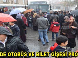KAYSERİ'DE OTOBÜS VE BİLET GİŞESİ PROTESTOSU