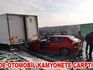 KAYSERİ'DE OTOMOBİL KAMYONETE ÇARPTI: 1 YARALI