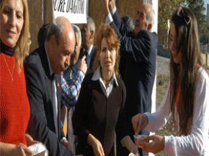 CHP Talas ilçe örgütü   aşure dağıtımı yaptı.