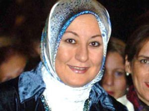 Hayrünnisa Gül'ün yaşadığı çok çarpıcı başörtüsü olayı