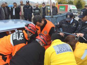 Kayseri'de Sıkışmalı Trafik Kazası: 1 Yaralı