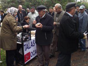 MHP'liler Talas'ın dört bir yanında Aşure ikramında bulundu