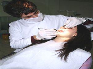 Düşen Diş Tekrar Yerine Takılabiliyor