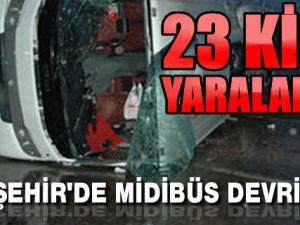 Kırşehir'de Turistleri Taşıyan Otobüs Devrildi!..23 Kişi Yaralandı!..