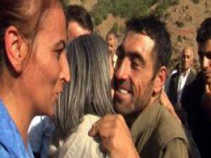 PKK'lılarla kucaklaşan BDP'lilere hapis istemi