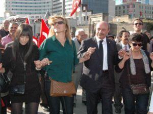 KAYSERİ'DE ALTERNATİF CUMHURİYET BAYRAMI YÜRÜYÜŞÜ YAPILDI