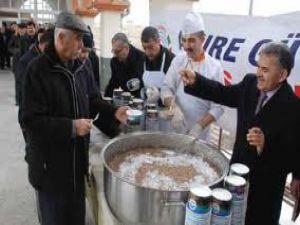 Melikgazi Belediyesi,Muharrem Ayı dolayısıyla vatandaşa aşure ikram etti