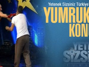 Yetenek Sizsiniz Türkiye - Turabi'nin Akrobatik Dövüş Gösterisi