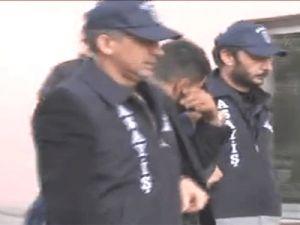 Kayseri'de mazot hırsızları kovalamaca sonrası iki polis aracına çarptı