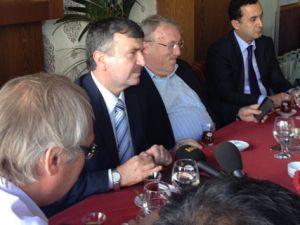 Konya Büyükşehir Belediye Başkanı gazetecilerle birarada
