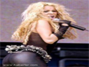 Shakira Erkek Hayranlarını Üzecek