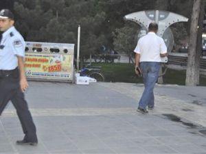Cumhuriyet Meydanında Şüpheli Paket Merakı