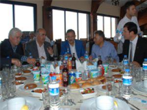 Başkan Özhaseki, mahalle muhtarlarına Erciyes Projesini anlattı