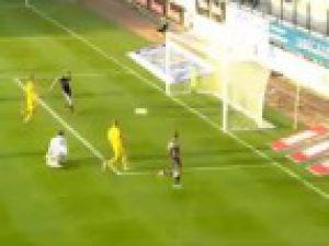 4 dakikada hat-trick yaptı tarihe geçti-video