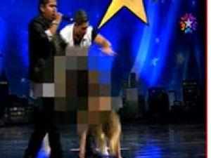 Yetenek Sizsiniz'de sahnede erotik dans-video