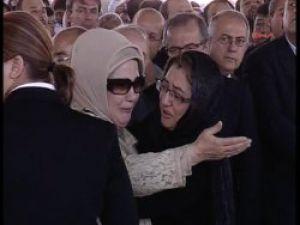 Emine Erdoğan ve Fatma Şahin'in gözyaşları