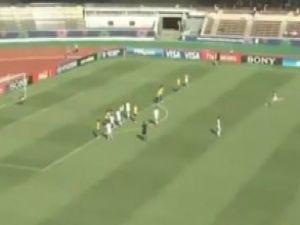 Bu da 'dişi Roberto Carlos' golü: Jeneriklik! Video