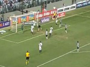Ronaldinho ortaladı eski G.Saraylı noktaladı-video