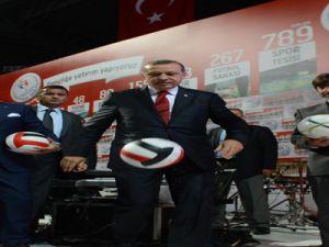 Başbakan Erdoğan'dan Futbol Şov-video