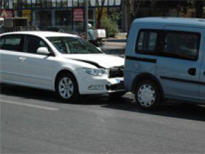 KAYSERİ'DE ZİNCİRLEME TRAFİK KAZASI