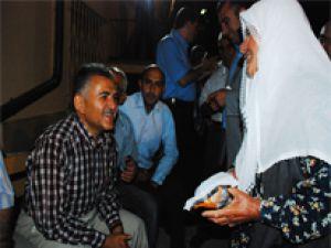 Başkan Büyükkılıç' a vatandaşlardan yoğun ilgi…
