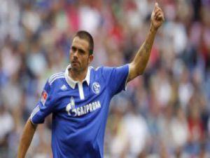 Schalke 5 attı, eski BJK'li Edu hatrick yaptı / Video