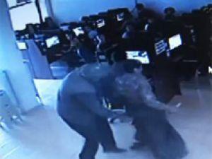 Karısını bıçaklarken böyle görüntülendi-VİDEO