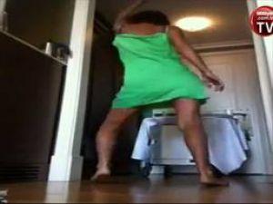 Yıldız Tilbe'den şaşırtan dans! Video