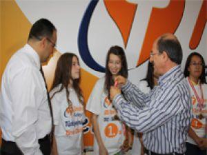 TEKDEN KOLEJİ'NDEN SBS'DE 3 TÜRKİYE BİRİNCİSİ ÇIKTI