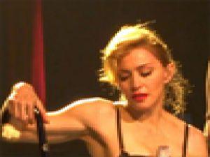 Madonna Berlin'de neresini açtı?