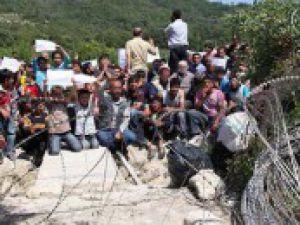 Üst rütbeliler dahil 293 Suriyeli Türkiye'ye kaçtı