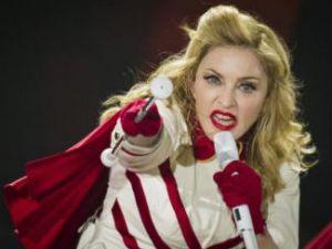 Madonna İtalya'yı karıştırdı!