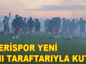 KAYSERİSPOR YENİ YAŞINI TARAFTARIYLA KUTLADI