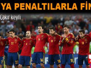 İspanya penaltılarla finalde!  Video