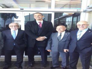 Kayseri Milletvekilleri Gül'ün korumalarına takıldı