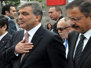 Cumhurbaşkanı Gül'ü Kayseri Valisi Orhan Düzgün karşıladı