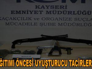 KAYSERİ'DE KARNE DAĞITIMI ÖNCESİ UYUŞTURUCU TACİRLERİNE DARBE