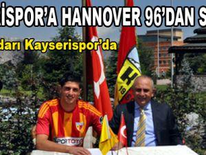 Kayserispor'a Hannover 96'dan Sol Bek