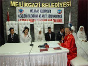 "MELİKGAZİ'DE TOPLU NİKAH 6 ÇİFT ""EVET"" DEDİ"