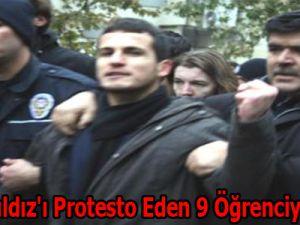 Bakan Yıldız'ı Protesto Eden 9 Öğrenciye Beraat