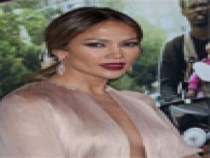 Jennifer Lopez İç Çamaşırı Giymeyi Unuttu