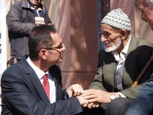 ''HERKES HAK ETTİĞİ HİZMETİ ALMALI''