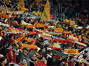 Galatasaray taraftarı yasak dinlemedi video