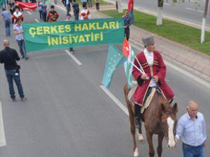 ÇERKEZLER KAYSERİ'DE MİTİNG YAPTI